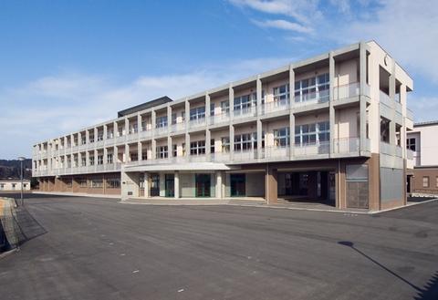富山市立城山中学校画像01