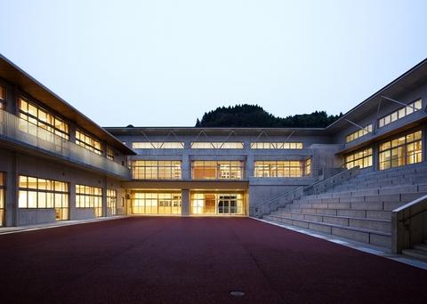 富山市立山田小学校・中学校画像01